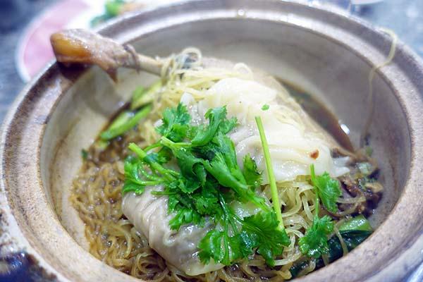 Buay Pochana_ブアイポチャナー_トンロー_バンコク_タイ料理01