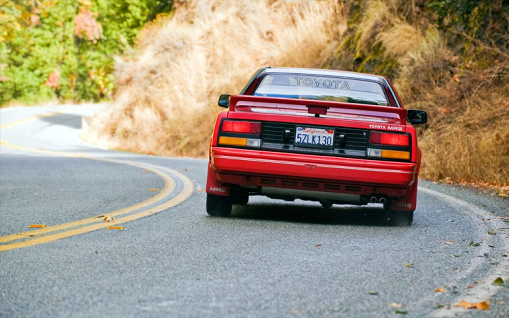 Collectible-Classic-1985-1989-Toyota-MR2-03.jpg