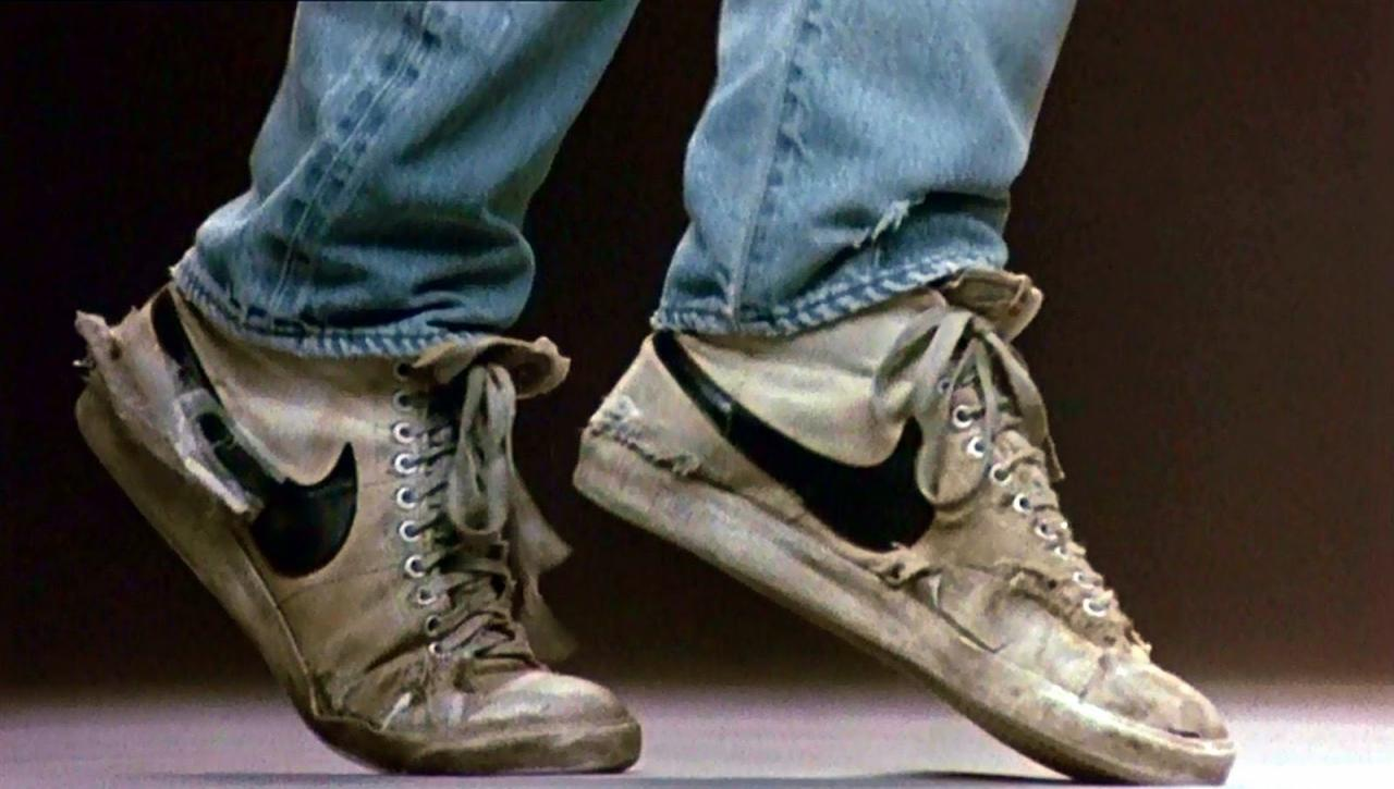 footloose+nikes_convert_20160627020216.jpg