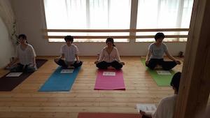 ヨーガとカラー瞑想