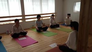 ヨーガとカラー瞑想2