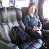 夜行バスの女性2
