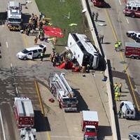 事故後のバス