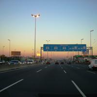 朝の高速道路