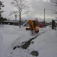 除雪する除雪車