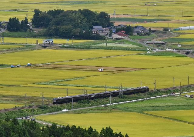 28-09-11 お召列車 n72 208-20160911_616 (640x452)