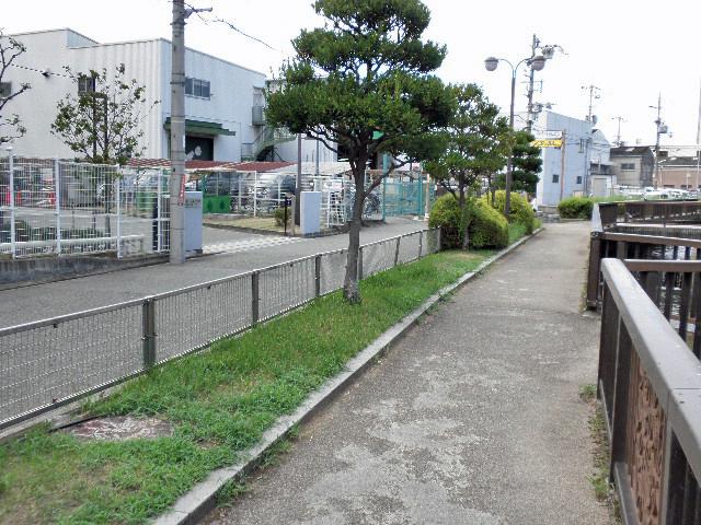 敷島パン前 マチカネくんアメ (1)
