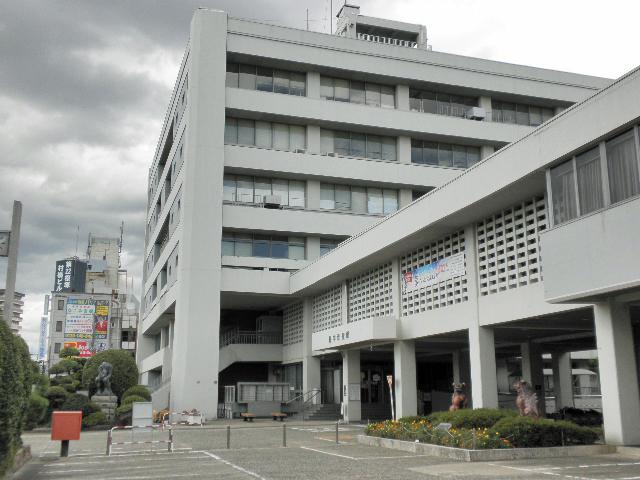 一般環境大気測定局 市役所局と姉妹都市沖縄シーサー (1)