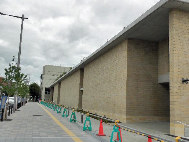 市立文化芸術センター マチカネくん (2)