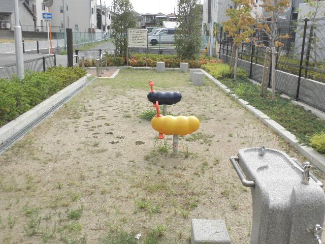 服部寿町3丁目第1公園 (2)
