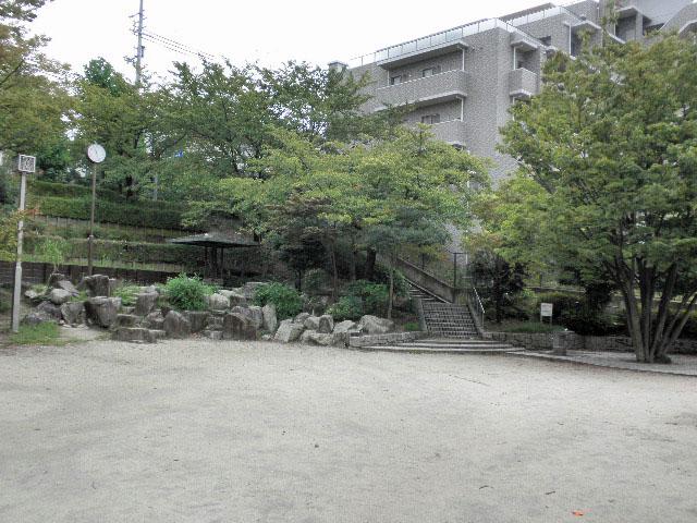 西緑丘新池公園 (4)