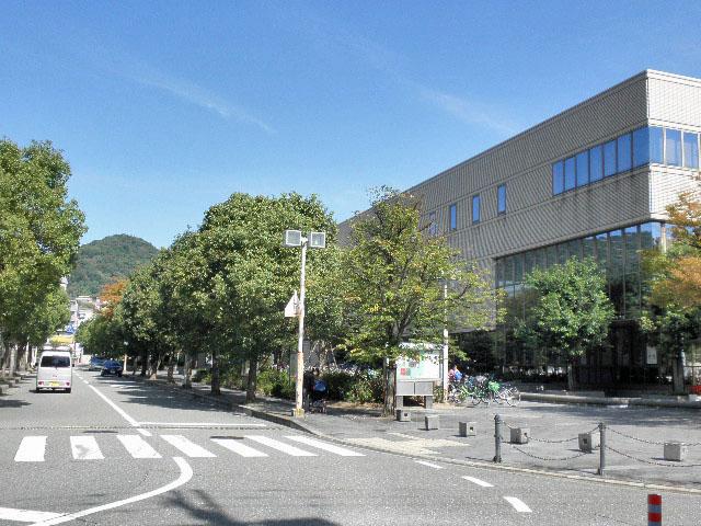 メイプルホール・生涯学習センター (1)