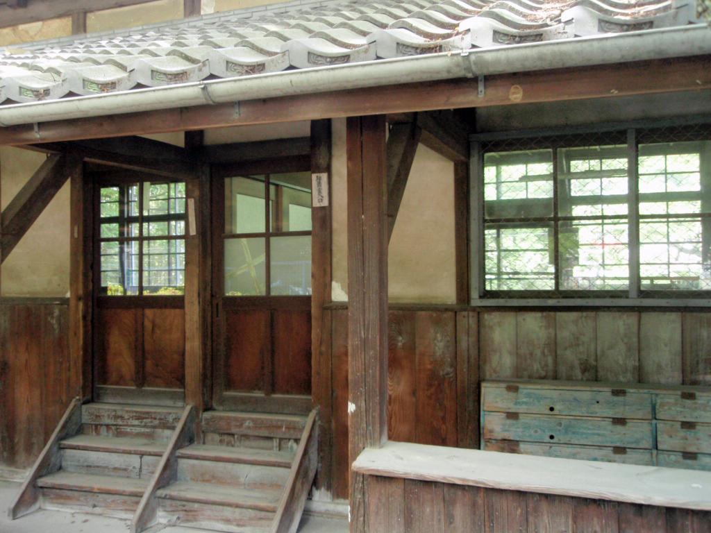 1610旧新田小学校校舎  見学会(2)