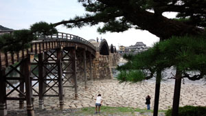 夏の錦帯橋散歩a