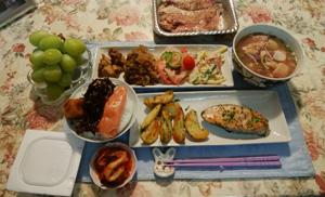 晩御飯 鮭・石狩鍋 肉じゃが 鶏煮物 春雨サラダ マカロニサラダ