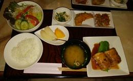 昼ご飯 フォレランチ 豚巻豆腐