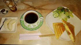 朝ご飯にホットサンド