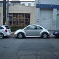 縦列駐車の車