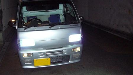 軽トラックのライト