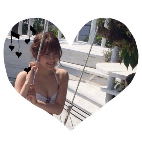 【AKB48】入山杏奈、胸の谷間&くびれ全開セクシービキニショットにファンから熱視線「見ました 天使でした 女神でした」1