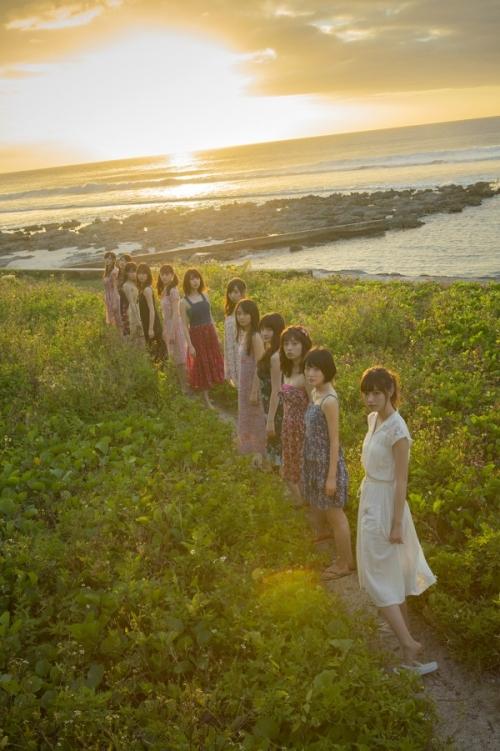 【乃木坂46】グアムで水着姿に!3年ぶりグループ写真集発売2