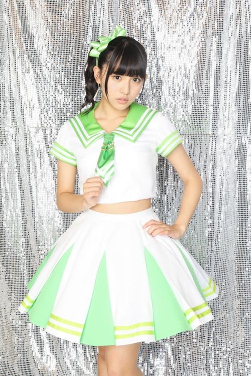 【画像】「1000年に1度の童顔巨乳」浅川梨奈、私服がダサすぎてサブイボが止まらない3