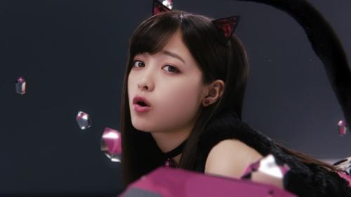 """橋本環奈が猫耳&ショートパンツでセクシーな""""黒猫""""に メンソレータムのウェブ限定CMで6"""