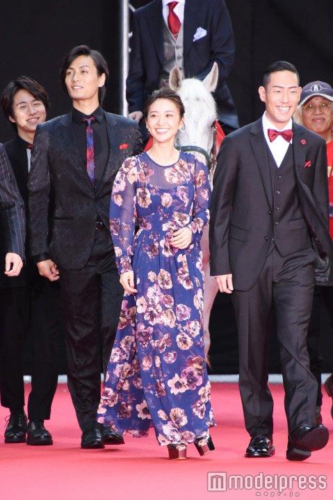 【画像】大島優子、スケスケドレス姿がキャバ嬢にしか見えない5