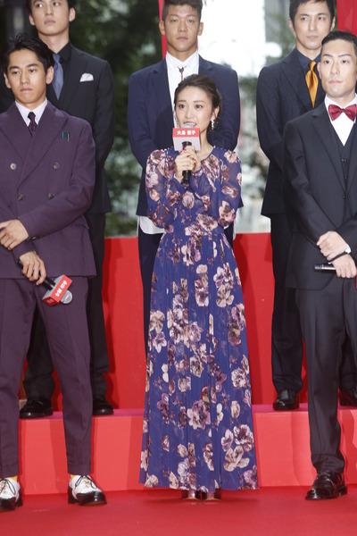 【画像】大島優子、スケスケドレス姿がキャバ嬢にしか見えない4