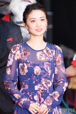 【画像】大島優子、スケスケドレス姿がキャバ嬢にしか見えない2