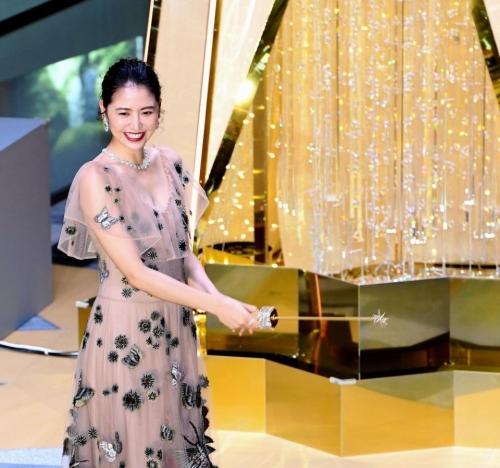 【画像】長澤まさみ 透けドレスでセクシー胸元6