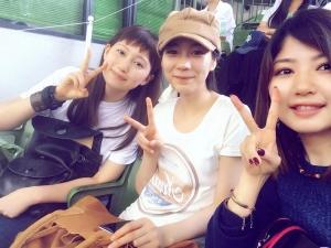 能年玲奈がGMT仲間(大野いと、蔵下穂波)と野球観戦、あまちゃん組の3ショットにファン歓喜。