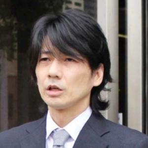 女子高生の制服を窃盗した、元「キングオブコメディ」高橋健一被告に懲役3年求刑