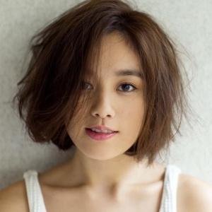 【画像】筧美和子、スタイルブック『Me』と写真集『Parallel』で修正なしのすっぴんショットを披露