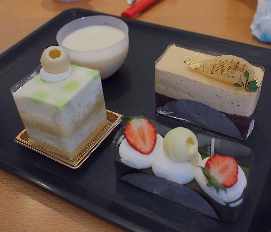 04@お菓子工房PONY 三矢小台店 2016年04月