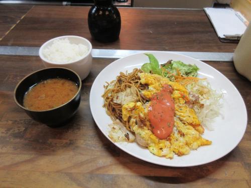 週替り定食(焼そば、豚ロースピカタ)
