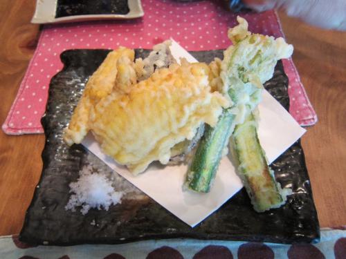夏野菜の天ぷら(とうもろこし、ナス、ズッキーニ)
