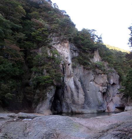 28_10_22 吹き割りの滝 2
