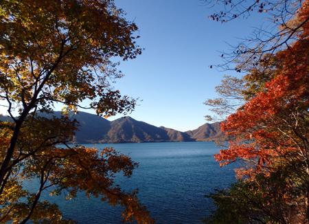 28_10_30 中禅寺湖 1