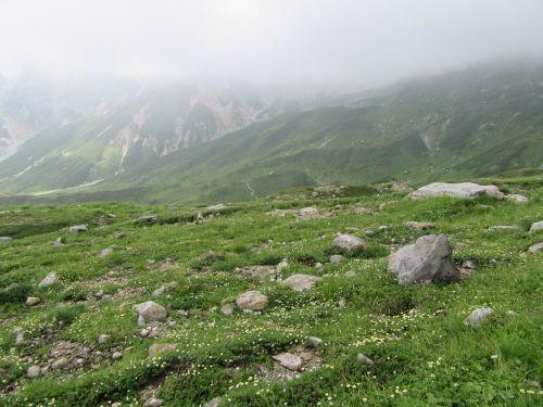 立山は霧の中