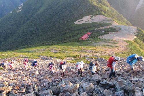 常念岳へ登る