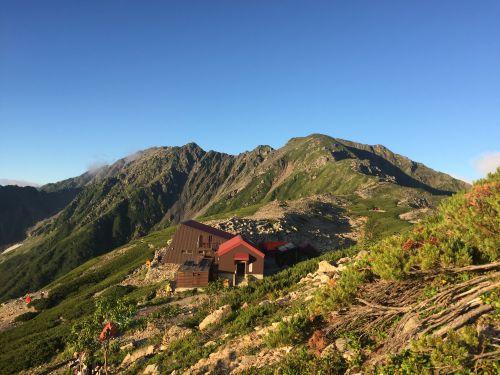 北岳山荘と間ノ岳