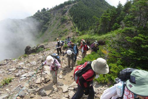 外輪山を登る