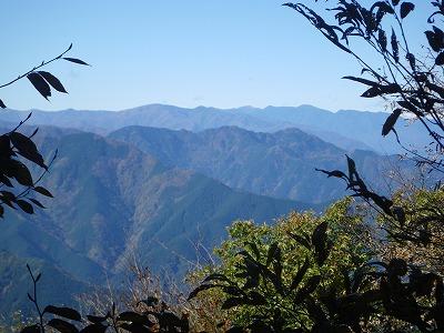 大持山から熊倉山