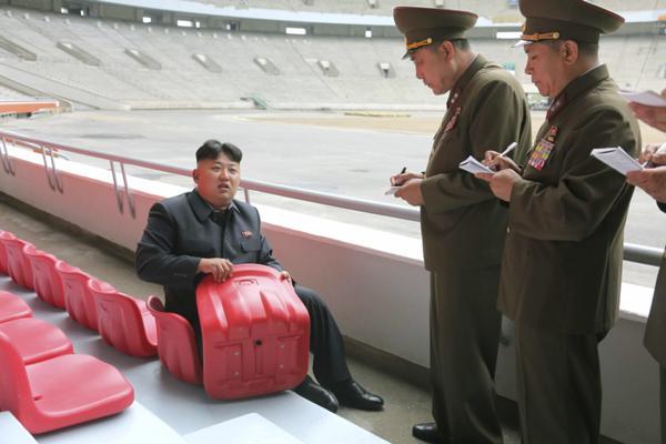 【朗報】淫夢語録だけで北朝鮮と外交決着できることが判明 そうだ、野球をみよう