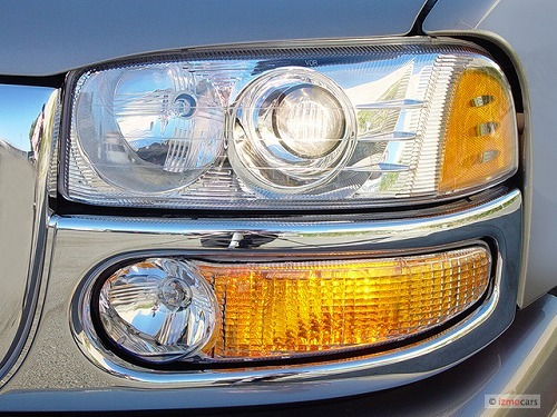 2003-gmc-yukon-denali-4-door-awd-headlight_100273771_m.jpg