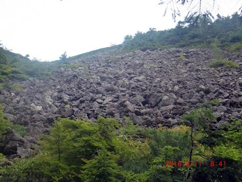 009 岩石