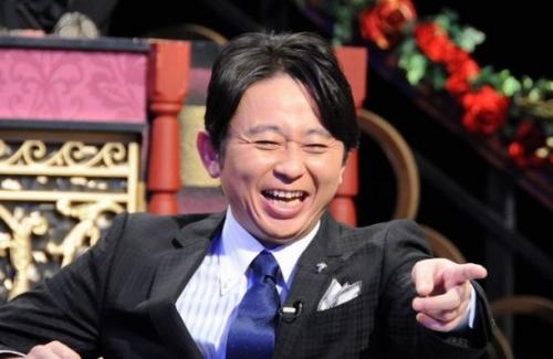 有吉弘行さん、アイマスのカバンを使ってるお笑い芸人に一言!!