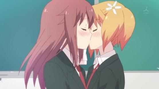 モロッコでユリ裁判が開廷!! 16歳と17歳の少女がキスした疑い!!