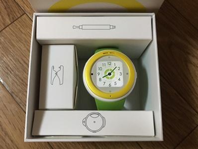 腕時計型ケータイ